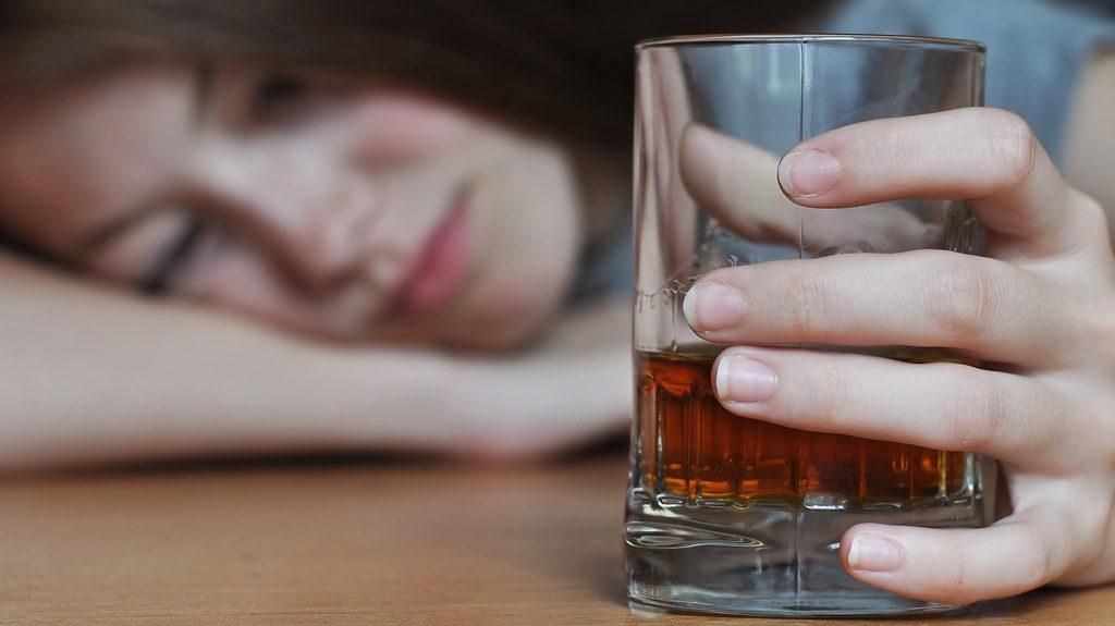 Alcol e giovani: più rischi che per gli adulti
