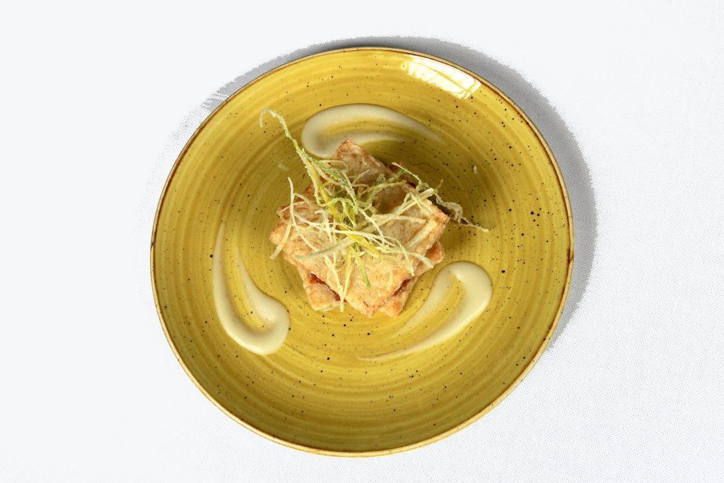 Millefoglie di riso con ragù di pasta di salame fresca