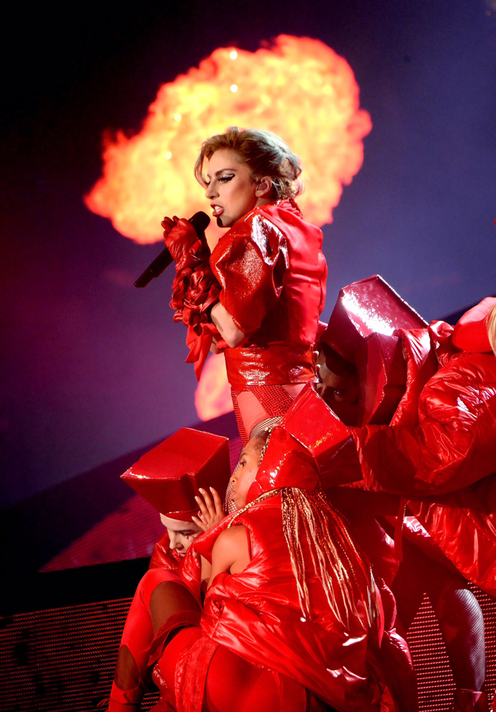 Sfavillante Lady Gaga