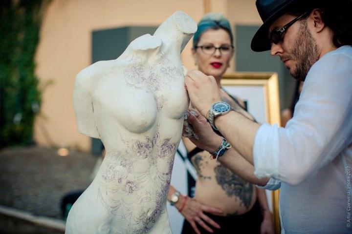 """Arte e tatuaggi – Tutto il """"glam"""" della settimana"""