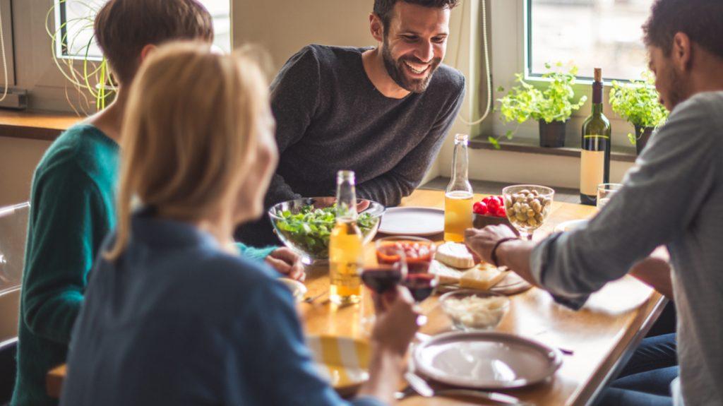 tavola, trucchi per mangiare di meno