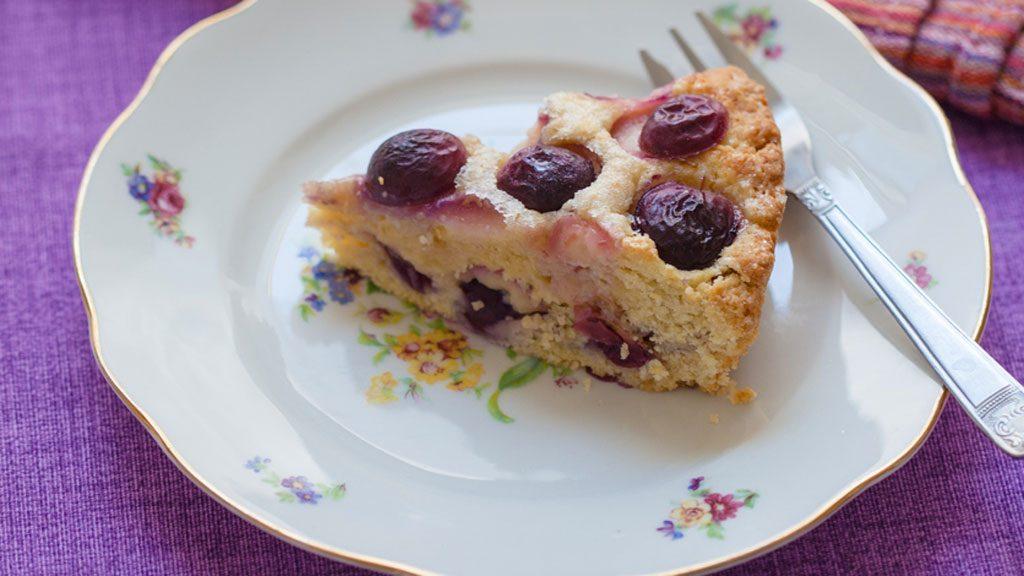 Torta di uva fragola: la colazione è violacea