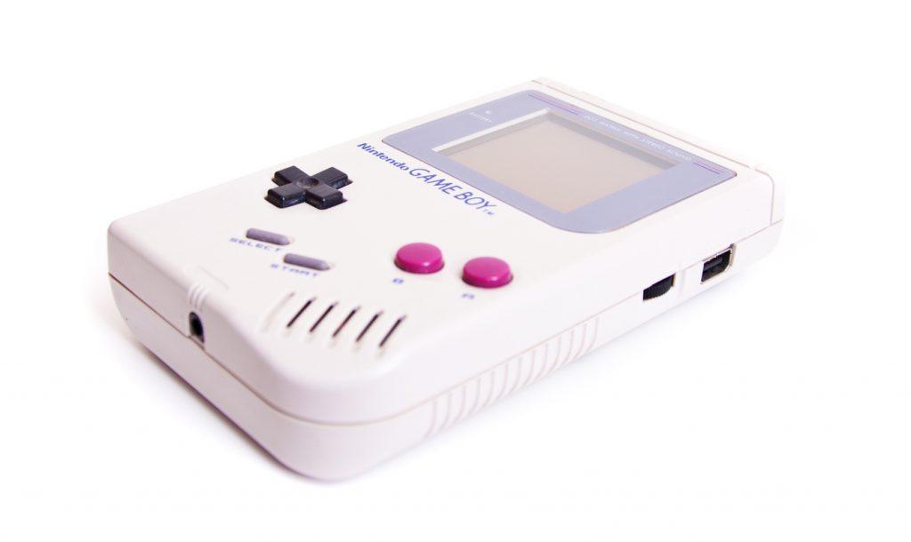 Anche la tecnologia è nostalgica: torna il Game Boy?