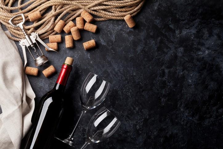 Vino, bicchieri e tappi di sughero, Barbera, Lambrusco