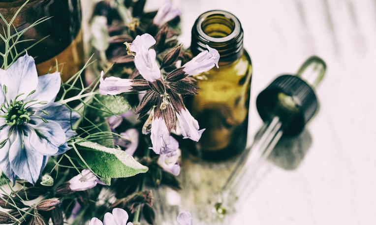 Oli essenziali per la casa: non solo profumo