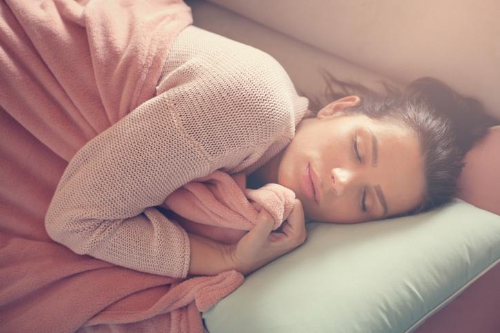 Posizioni del sonno: cosa dicono di noi