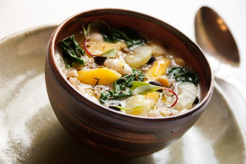 Ricetta: la Zuppa francigena con legumi ed erbe