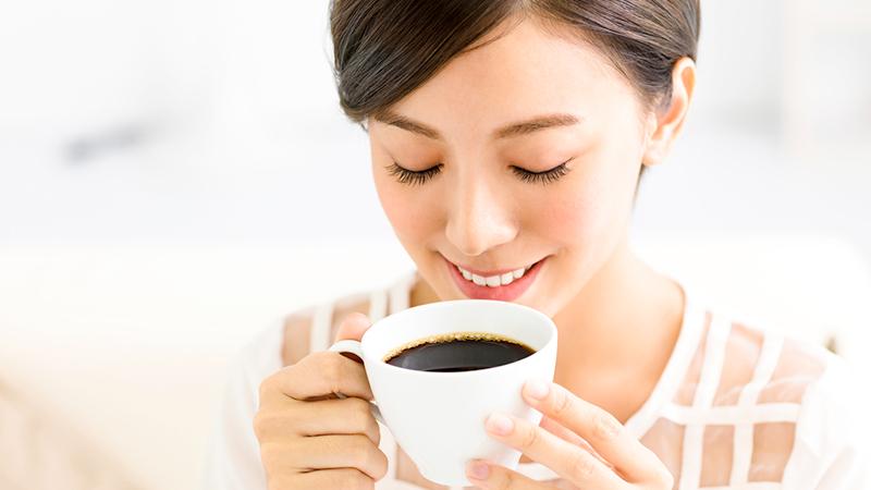 bere caffe a digiuno