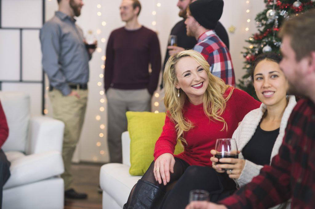 Inverno: sbocciano i flirt in ufficio. Soprattutto a Natale