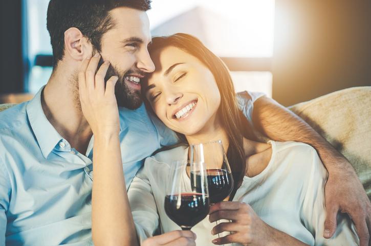 Scienza: ecco perché il vino rosso fa rima con sesso