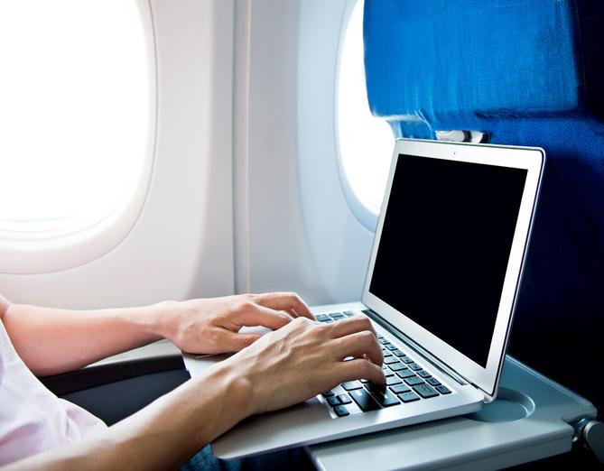 Connessione a bordo: wi fi ad alta quota