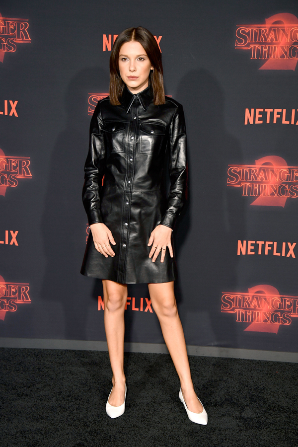 Millie Bobby Brown, outfit Calvin Klein