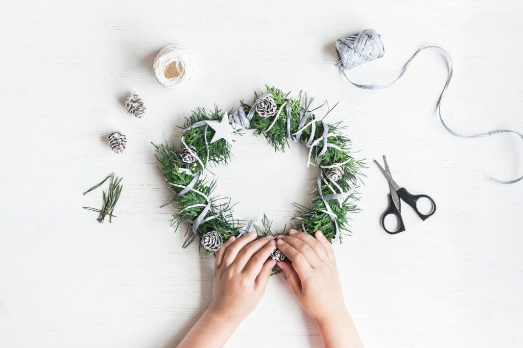 Ghirlanda natalizia: piacere fatto in casa
