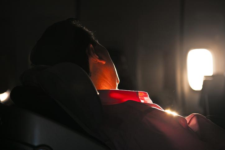 Sonni tranquilli in aereo: ecco come si può