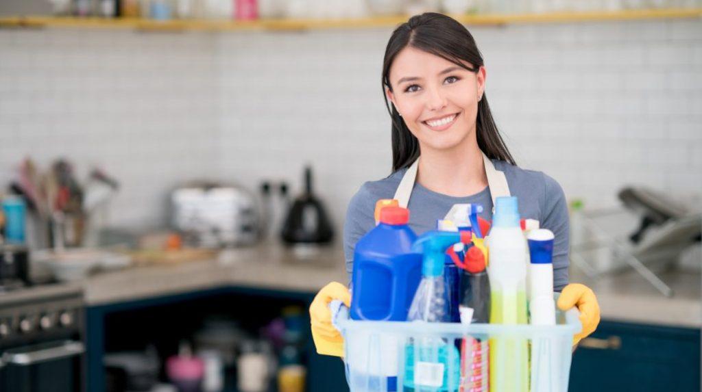pulire la casa