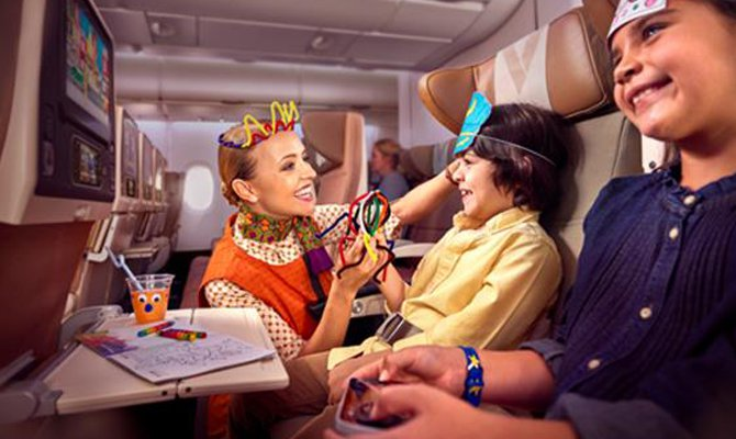 Tata anche in aereo, ecco le baby sitter in volo