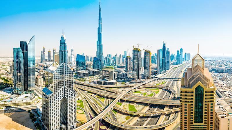 Hotel con foresta pluviale annessa: succede a Dubai