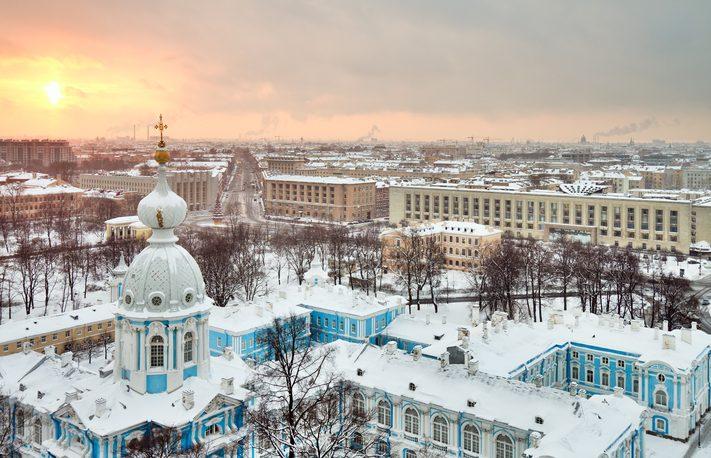 San Pietroburgo, tramonto sulla Cattedrale di Smolny