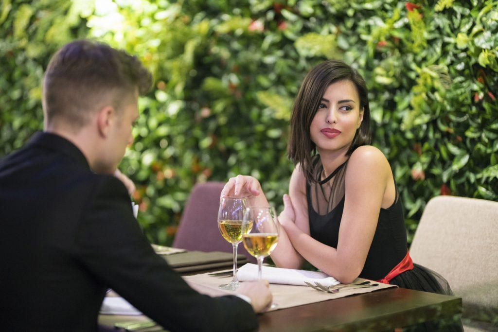 Studi e ricerche: se l'alcol mercifica la donna