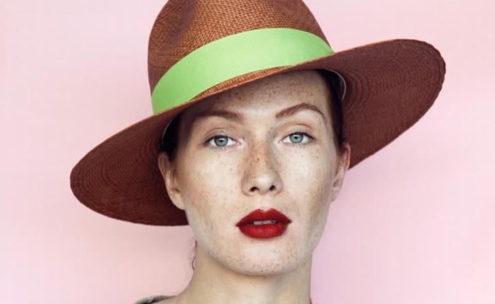 Cappelli estivi, collezioni tra colore e profumo