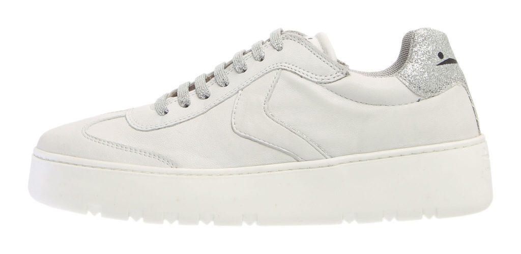 White sneaker: il bianco è il nuovo nero
