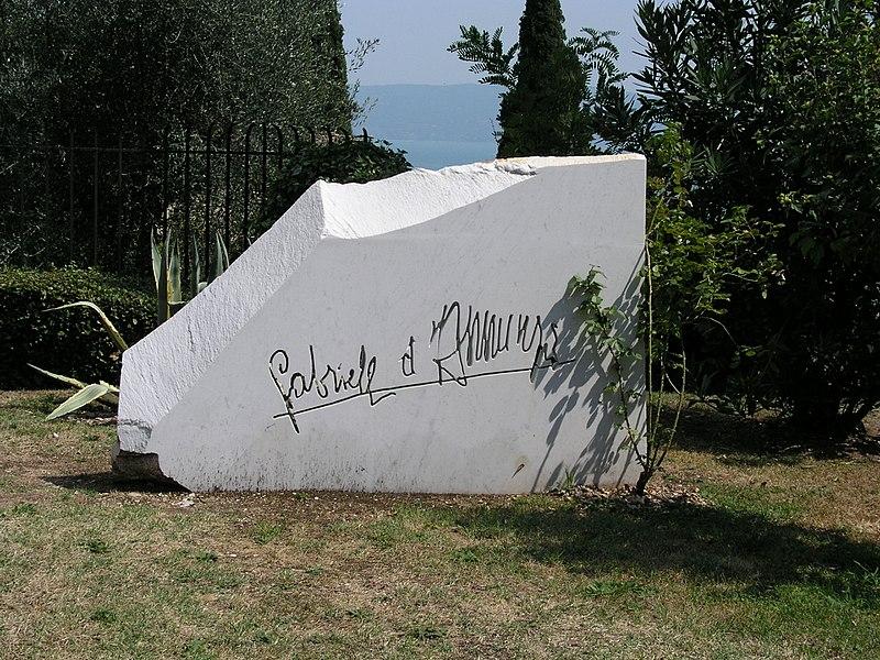 Firma di Gabriele D'Annunzio
