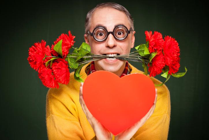 amore nerd secchione innamorato con difetti