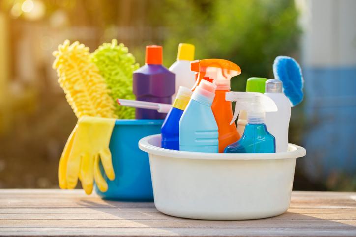 I detergenti per le pulizie fanno male (non agli uomini)