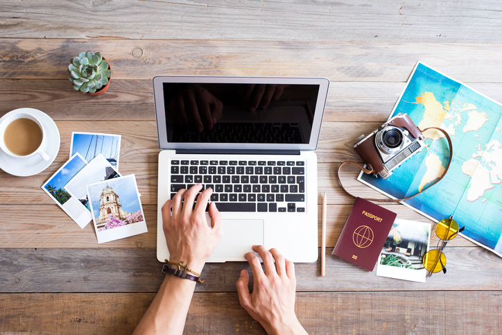 computer, booking, viaggi, saltafila