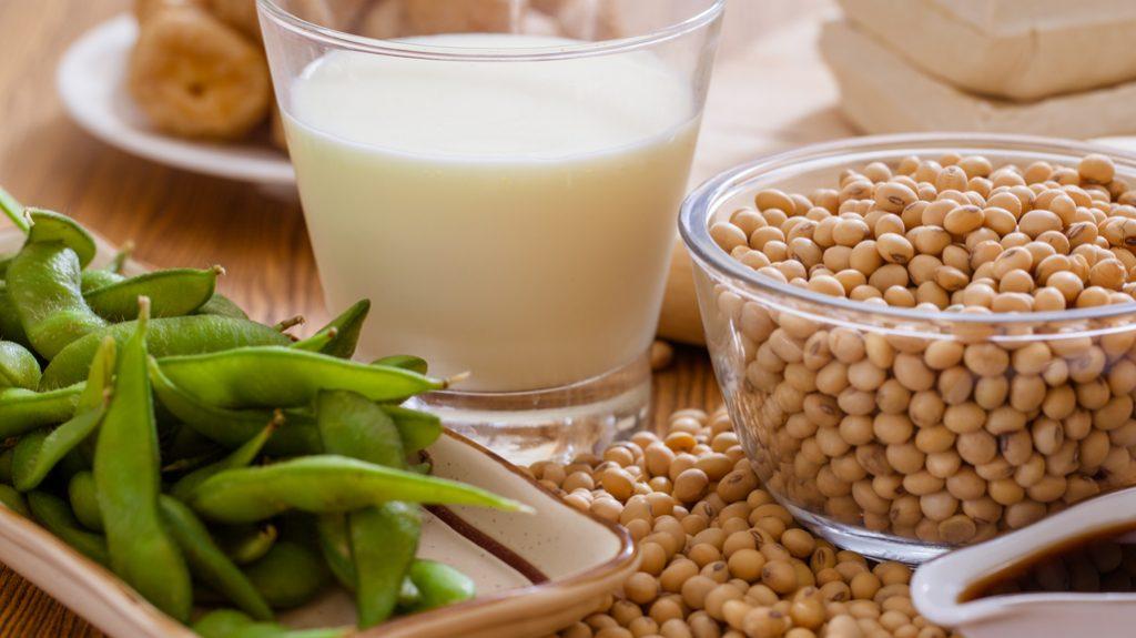 Bevande vegetali, vince il latte di soia