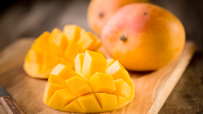 mango, beauty tips per capelli folti