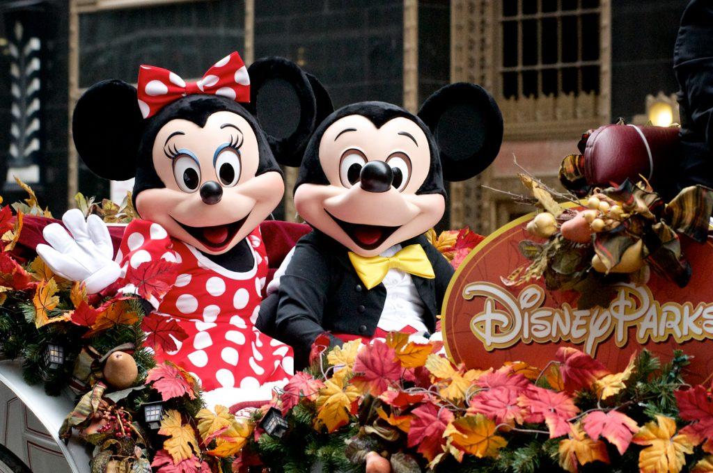 Mickey Mouse ne fa 90 e festeggia in tutto il mondo