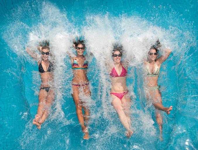 Bikini trend, lo strano caso dello scollo a V