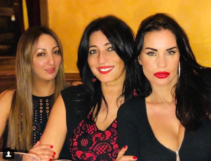 Antonella Mosetti e alcune amiche al party di Vittorio Cecchi Gori