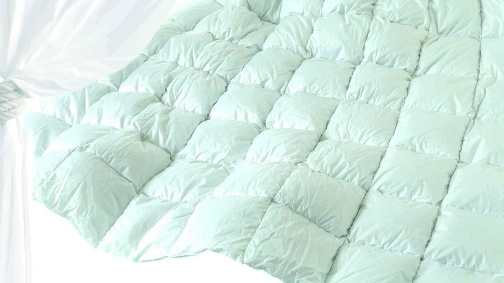 info for 206da 89d64 Piumone arrivederci. In estate letto fresco e coperte nell ...