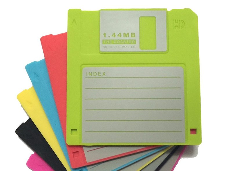 Floppy disk e cassette, i grandi sconosciuti degli anni '90