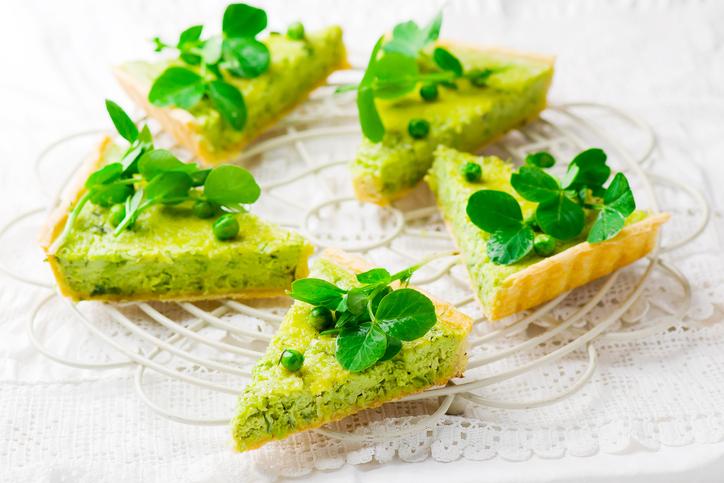 Crostata di patate e piselli vegan, delizia green