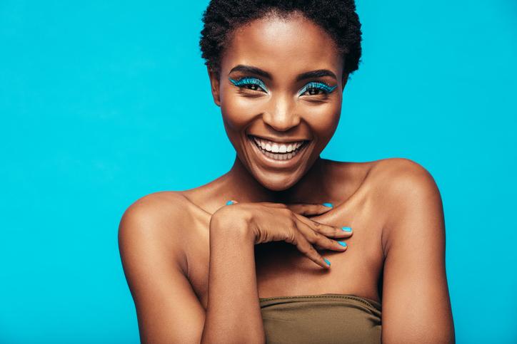 Make-up, il blu è la tendenza dell'estate