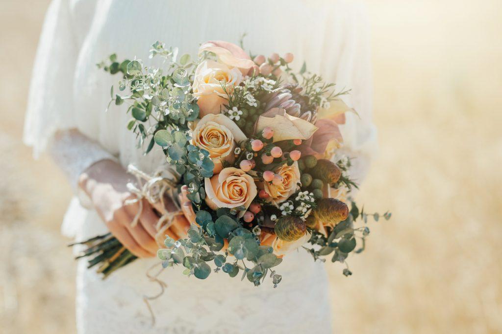 Un amore di bouquet a base di eucalipto