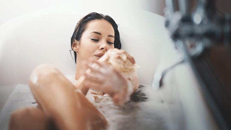 Lavarsi tutti i giorni fa male alla pelle