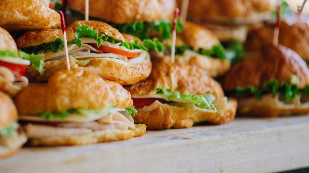 la premiumization è la strategia che collega la ristorazione di massa a quella di lusso