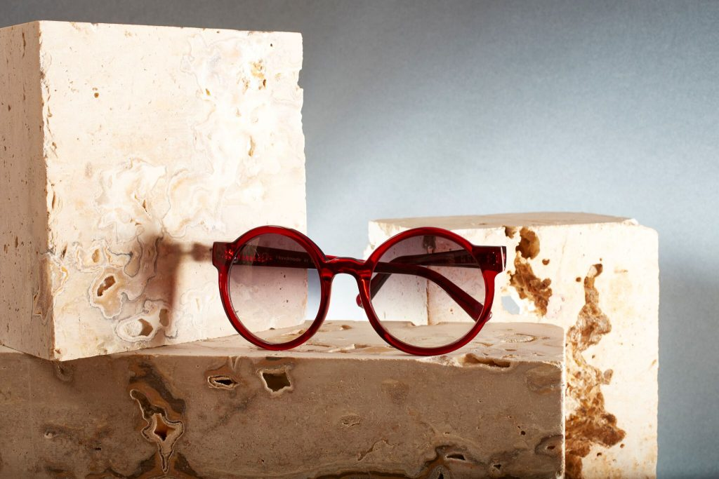 Occhialeria artigianale, l'eyewear è fatto a mano