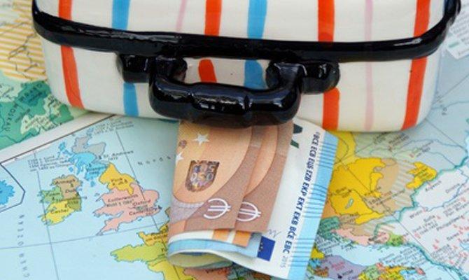 Indebitarsi per pagare le vacanze