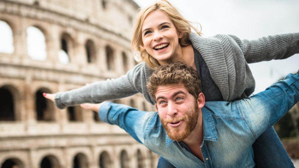 il sorriso è uno dei 7 segnali per capire se siamo innamorati