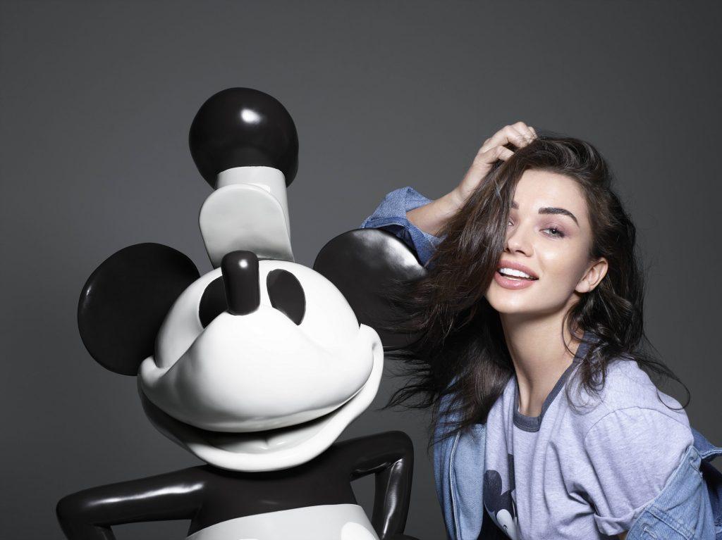 Mickey Mouse, a 90 anni è un'icona di moda