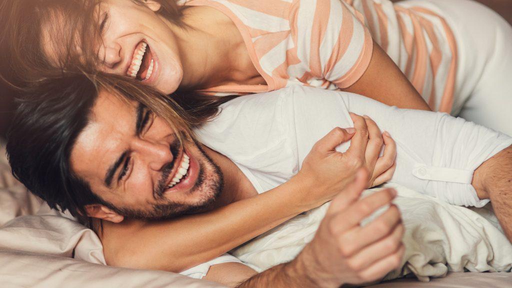 Il parere di Esther Perel sulla felicità di coppia