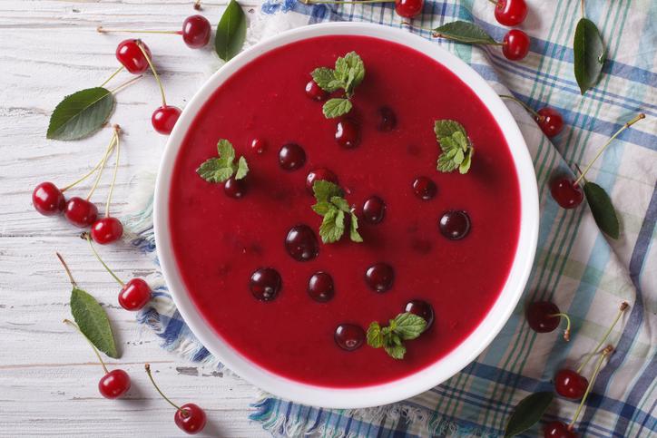 Zuppa di amarene, il dolce e il salato si incontrano