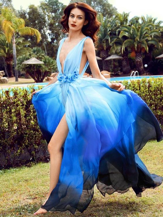 Abito azzurro di Viola by Pullover indossato da Paola Turani