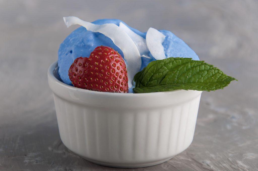 La ricetta del gelato azzurro al cocco