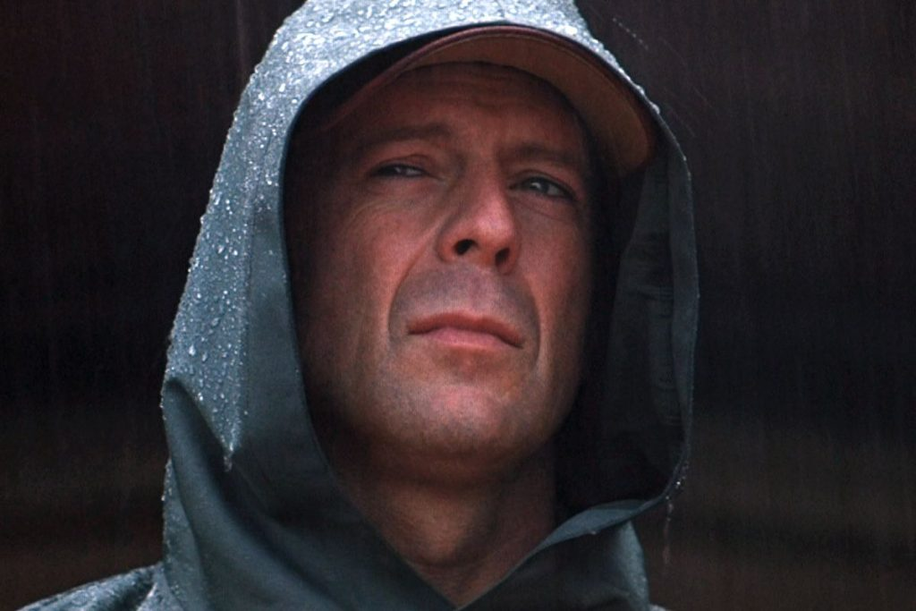 I mille volti di Bruce Willis, come è cambiata la star a 30 anni da Die Hard